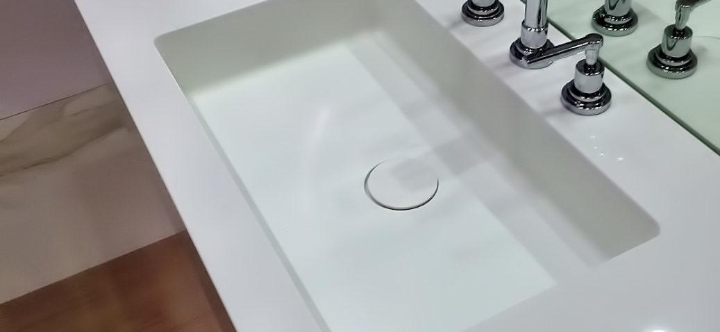rakovina-iz-akrilovogo-kamnya-006